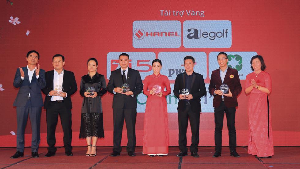 Hanel nhận kỉ niệm chương với danh vị Tài trợ Vàng